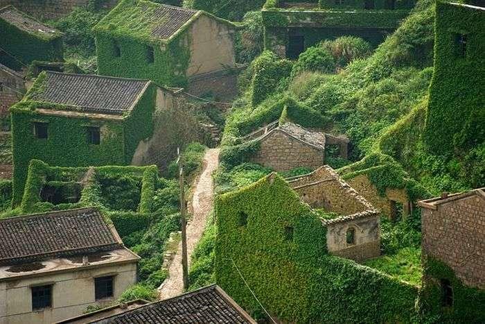 Покинута рибальське село в Китаї (3 фото)