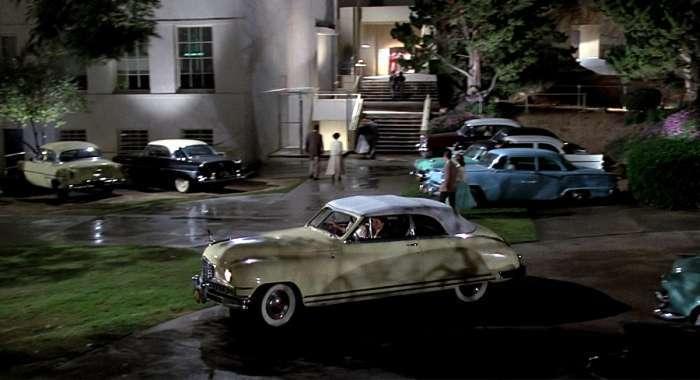 Вулиці вигаданого містечка Хілл-Веллі з фільму «Назад в майбутнє» 30 років потому (46 фото)