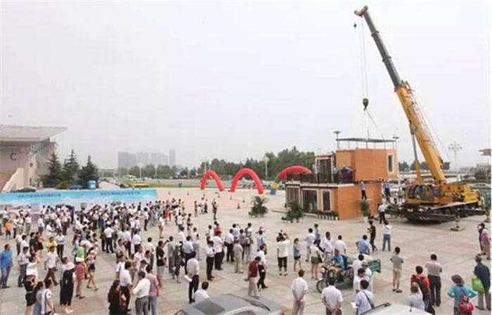 У Китаї побудували 2-поверховий будинок в протягом 3 годин (28 фото)