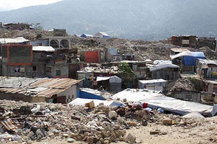 Будівельні блоки зі сміття (8 фото)