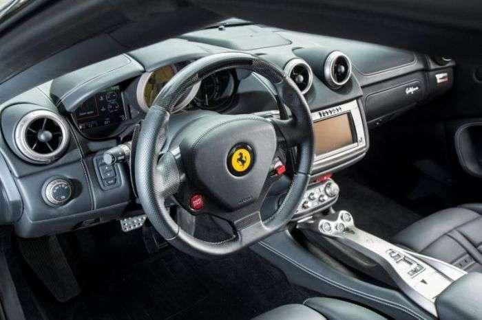 Британська поліція продала розкішні авто кримінального авторитета (13 фото)