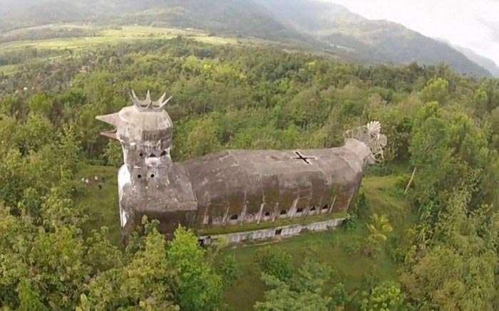 Сама незвичайна церква в світі (15 фото)