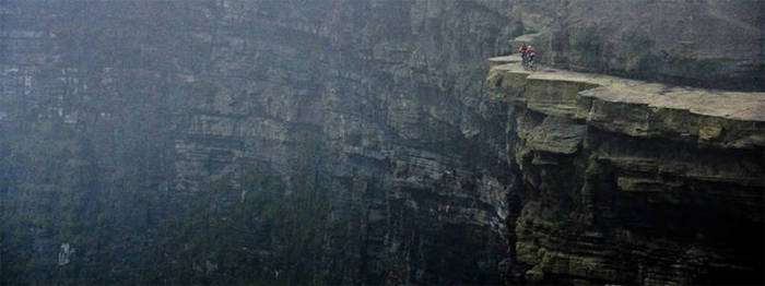 Найнебезпечніші місця в світі (28 фото)