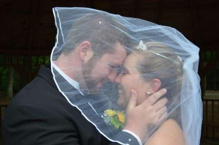 Чоловік вирішив повторно зіграти весілля, щоб подарувати приємні спогади дружині, яка втратила память в аварії (8 фото)