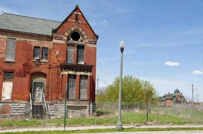 Плюси і мінуси покупки будинку за 500 доларів в Детройті (17 фото)