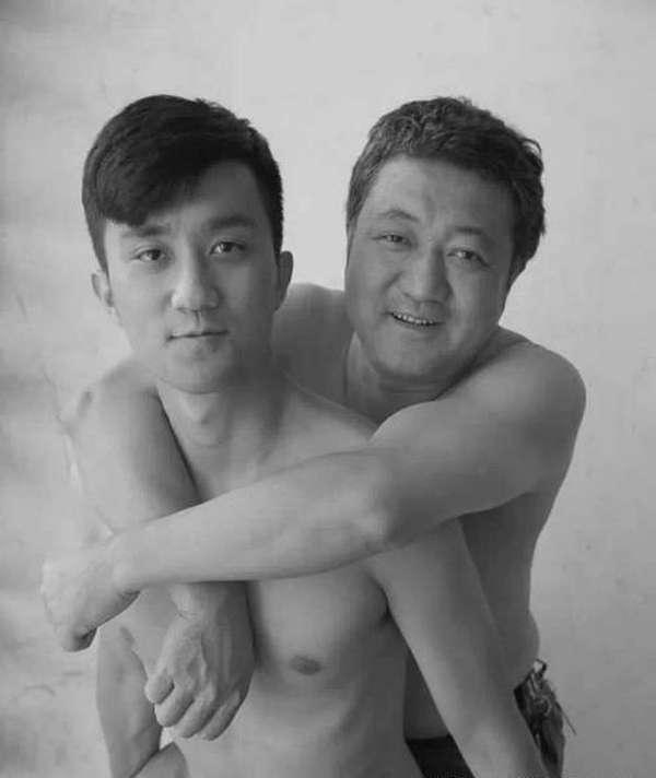 Фотографії з сином протягом 26 років життя (27 фото)