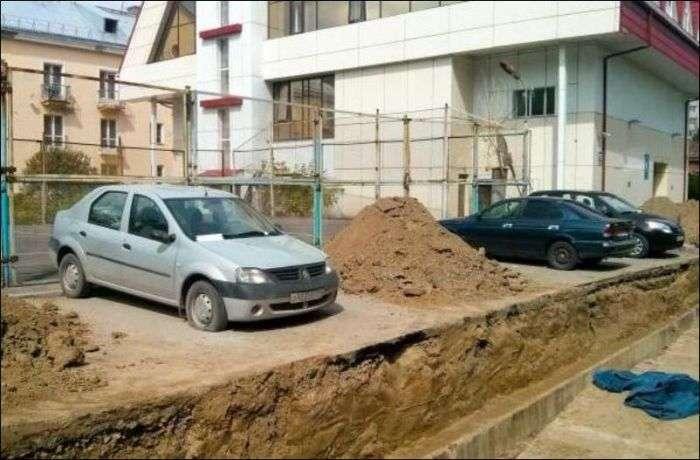 Що буває, якщо вчасно не прибрати свій автомобіль (3 фото)
