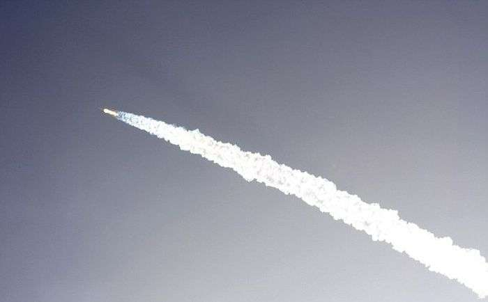 Ракета Falcon 9 вибухнула через 2 хвилини після старту (9 фото + відео)