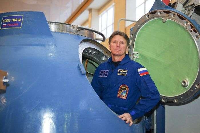 Російський космонавт Геннадій Падалка встановив рекорд за час перебування в космосі (4 фото)