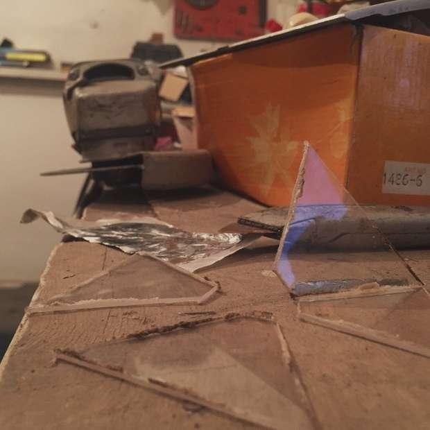 Пірамідка для голограми своїми руками (4 фото)