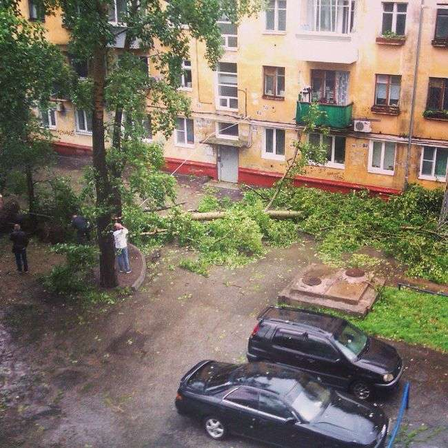 Хабаровськ постраждав від потужного циклону, який приніс ураган (20 фото)
