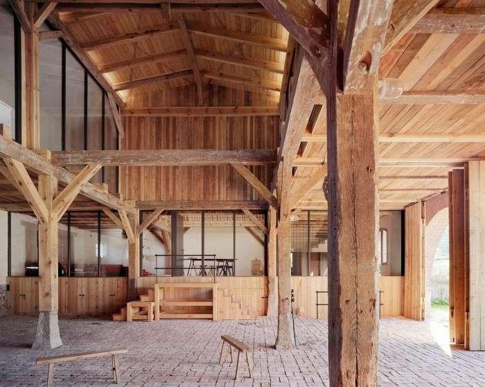 Просторі апартаменти в старому коморі (16 фото)