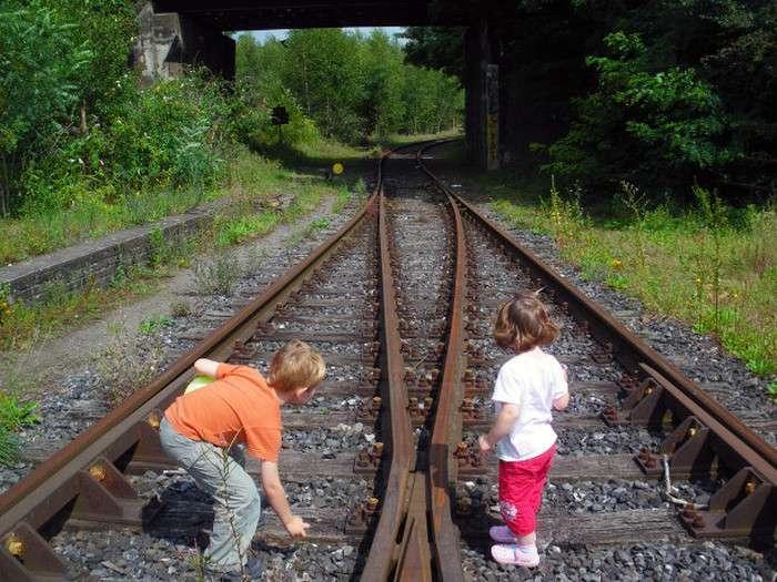 Дитячі ігри, спогади про яких можуть увігнати вас у фарбу (10 фото)