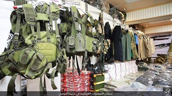 ИГИЛ опублікував фото збройового магазину в місті Мосул (12 фото )