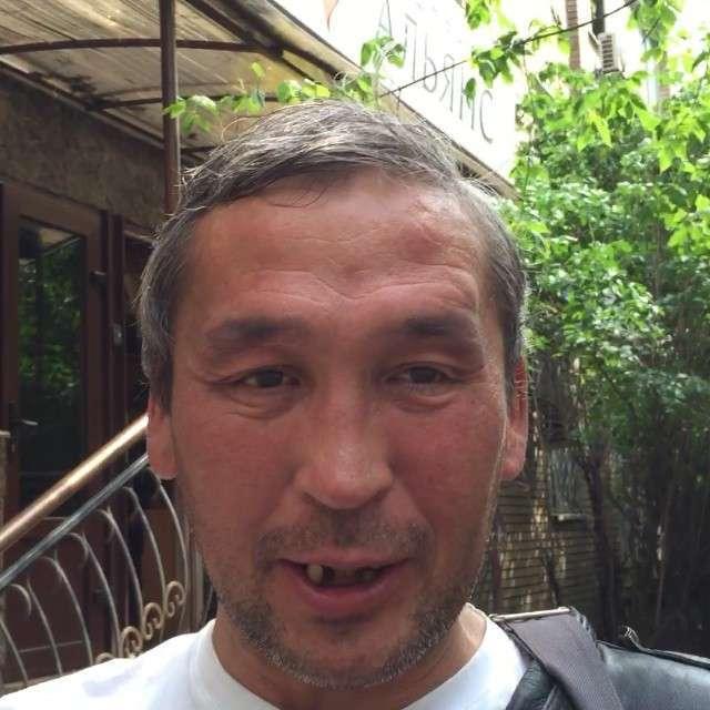 Московський бомж-блогер Женя Якут створив свій канал на YouTube (13 фото + відео)