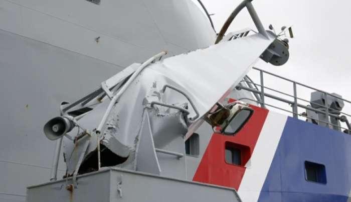 Російський парус «Крузенштерн» пошкодив два кораблі берегової охорони Ісландії (3 фото + відео)