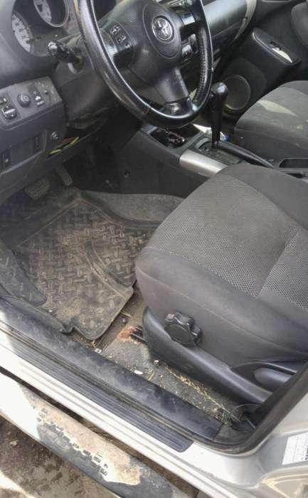 Типовий жіночий автомобіль (8 фото)
