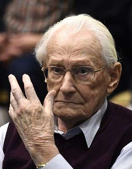 Оскара Гренінга, колишнього бухгалтера Освенціма, засудили до 4 років позбавлення волі (8 фото)