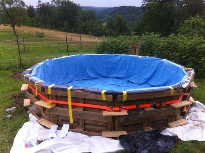 Саморобний басейн з деревяних піддонів (6 фото)