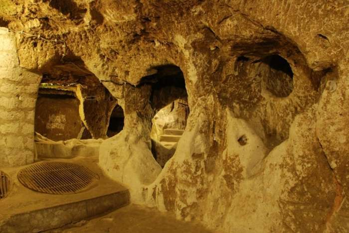Стародавній підземний місто під турецькою селом (10 фото)