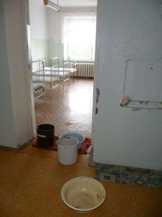 Жахливі умови в дитячій лікарні Ревди (9 фото)