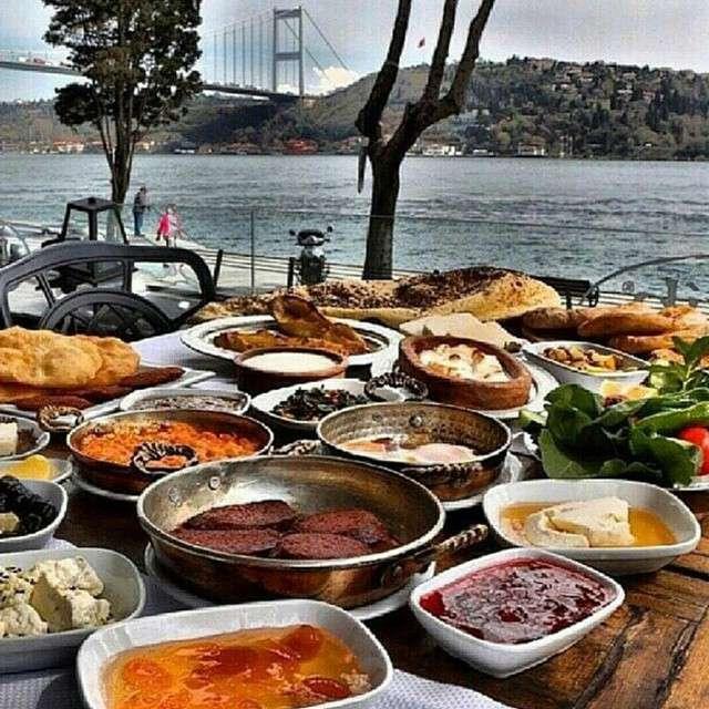Як живе «золота» молодь Туреччині (25 фото)