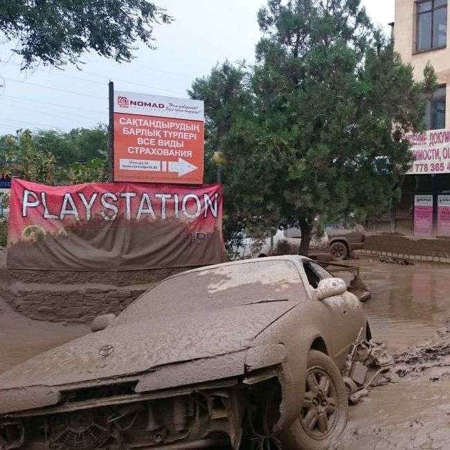 В Алмати ліквідують наслідки сходу селю (22 фото + 3 відео)