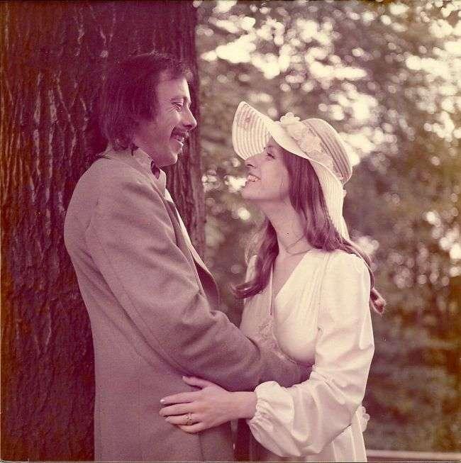 Подружжя, які назавжди залишаться молодими (4 фото)