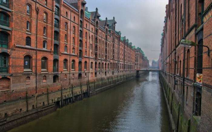 Унікальні гамбурзькі портові склади Speicherstadt (7 фото)