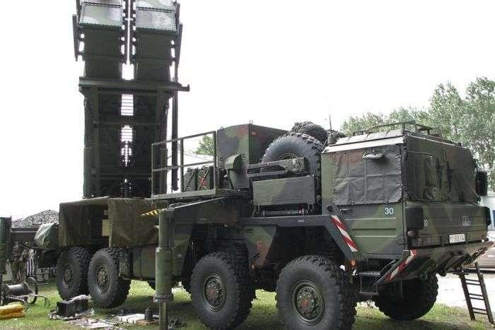 Порівняння новітньої вітчизняної військової техніки з технікою країн НАТО (12 фото)