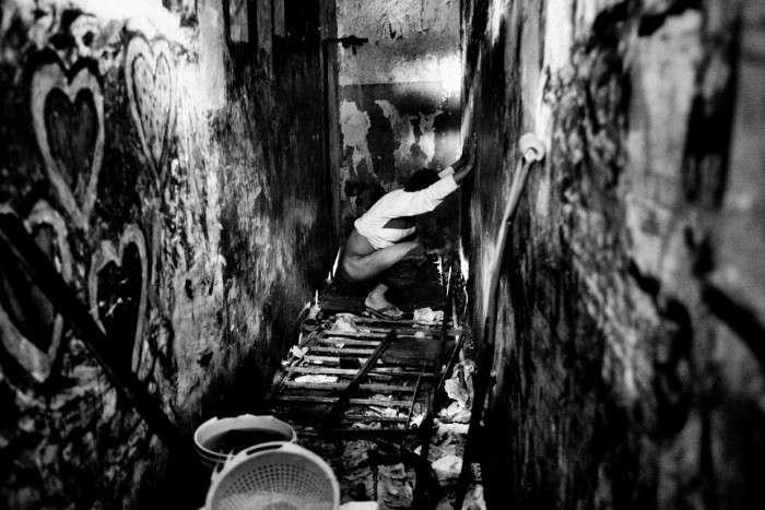 Життя у вязницях Південної Америки на знімках Валеріо Биспури (9 фото)