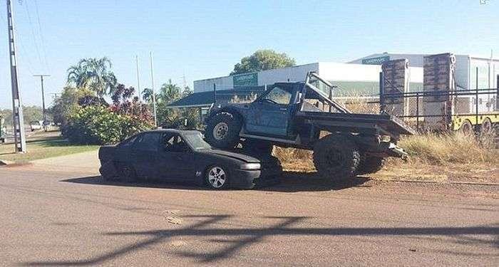 Ревнивий австралієць розчавив авто свого кращого друга, дізнавшись, що той спить з його колишньою подругою (3 фото)