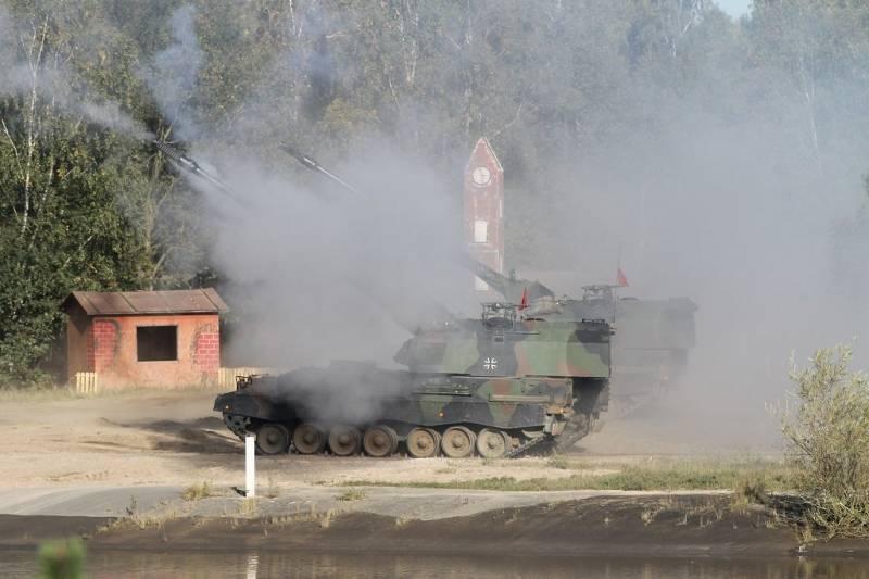 Это вам не бармалеев по пустыне гонять! Самоходная артиллерия вновь становится популярной на Западе оружие