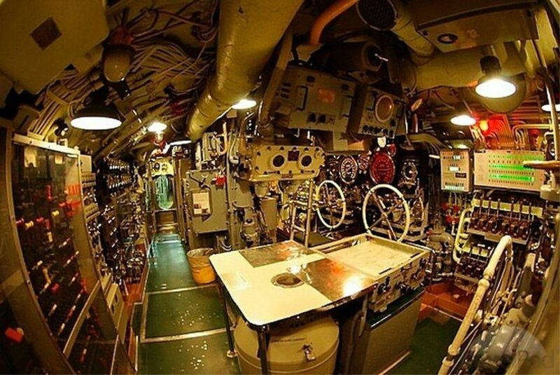 Внутри подводной лодки Интересное