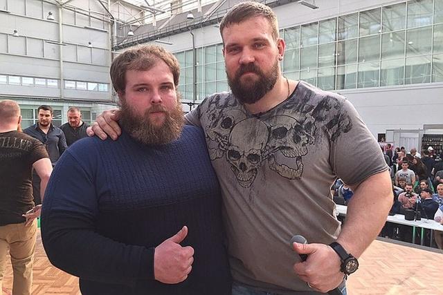 В Красноярске прошел первый чемпионат по мужским пощечинам Интересное