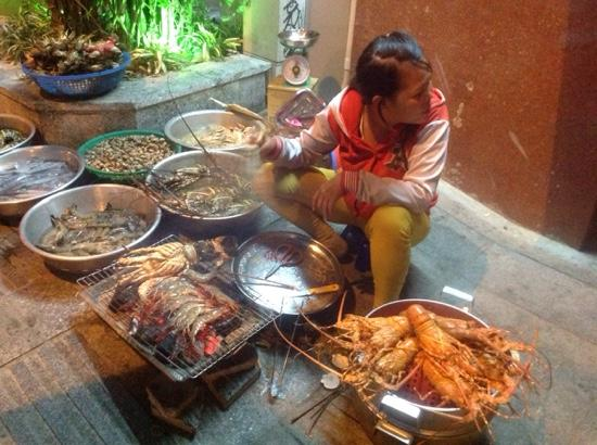 Еда в Нячанге — что стоит попробовать: экзотические фрукты и блюда национальной кухни путеествия, путешествие и отдых