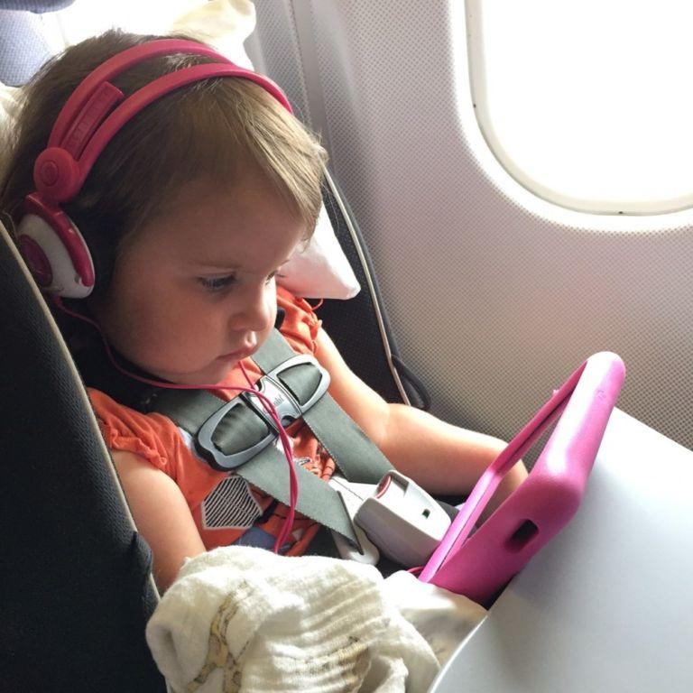 Со скольки лет можно летать на самолете без сопровождения родителей по России и за границу? Правила перелета детей без с… путеествия, Путешествие и отдых
