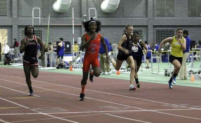 В женских соревнованиях по бегу победили трансгендеры Интересное