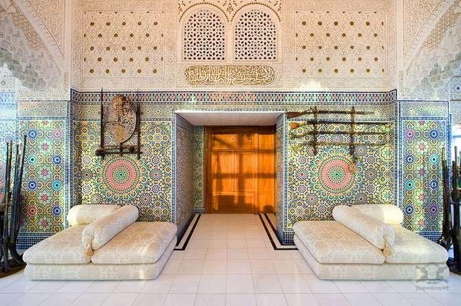 Арабский дворец внутри жилого комплекса Интересное