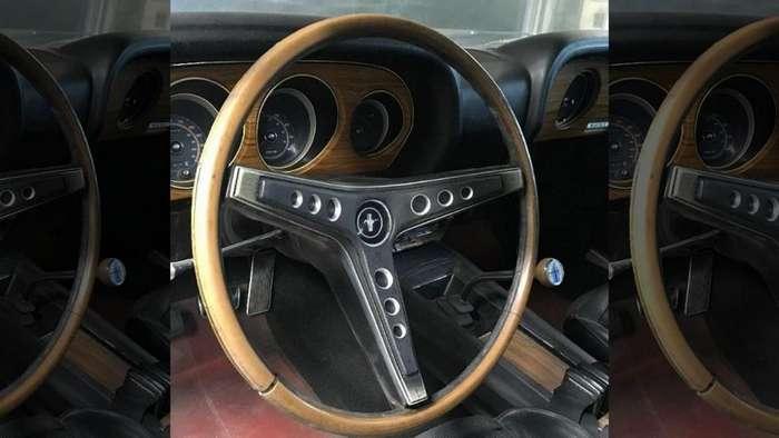 Оригинальный и восстановленный: Ford Mustang 1961 года выставлен на продажу авто