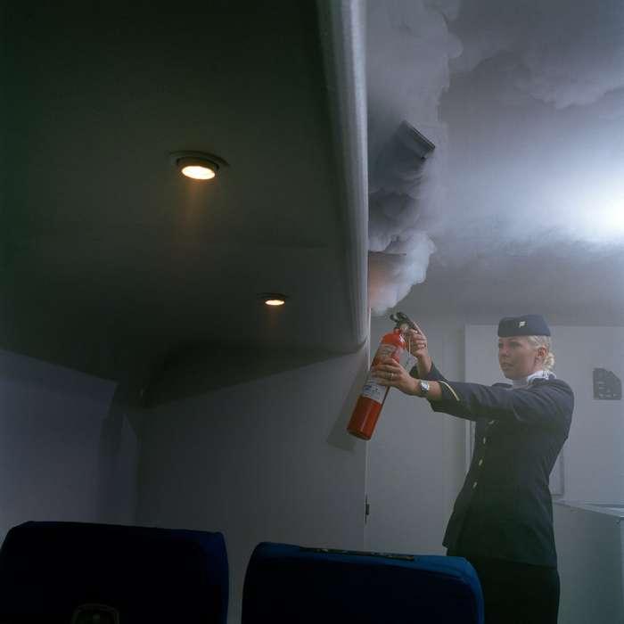 Жизнь в полете: закулисные фотографии стюардесс Интересное