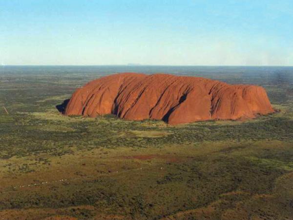 Улуру — красная гора в Австралии авиатур