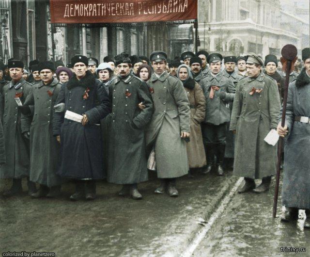Кто-то раскрасил фото России времен революции. От них буквально сквозит историей