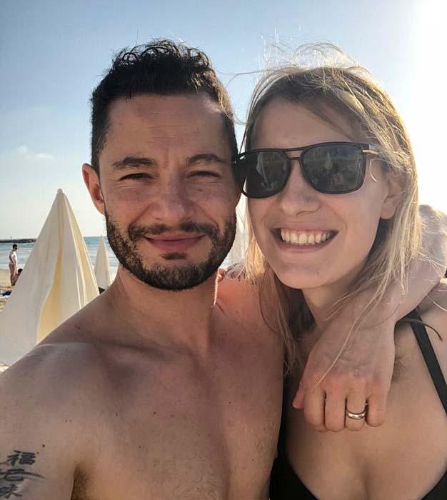 Женщина-трансгендер вышла замуж за актера, который также является трансгендером