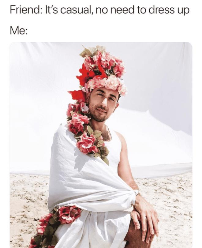 Мужчины смешно пародируют типичные снимки девушек в сети