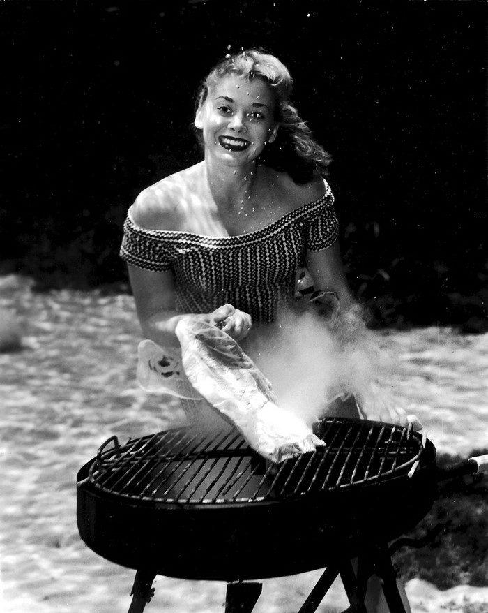 Подводный пин-ап 1938 года: фотографии Bruce Mozert девушки