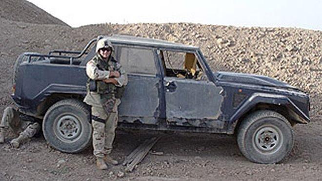 Внедорожник Lamborghini LM002, который принадлежал Саддаму Хуссейну