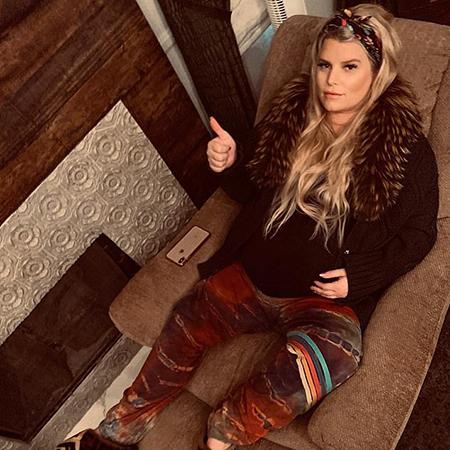 Беременная Джессика Симпсон опубликовала фото в бикини Экстерьер