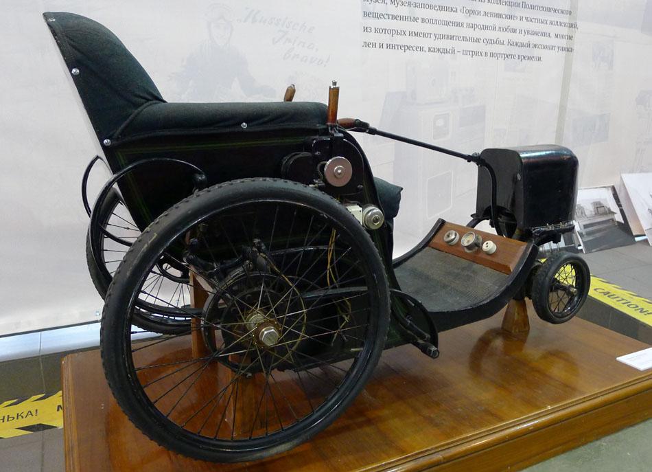Один из первых в мире электромобилей был сделан для В.И. Ленина Война и мир