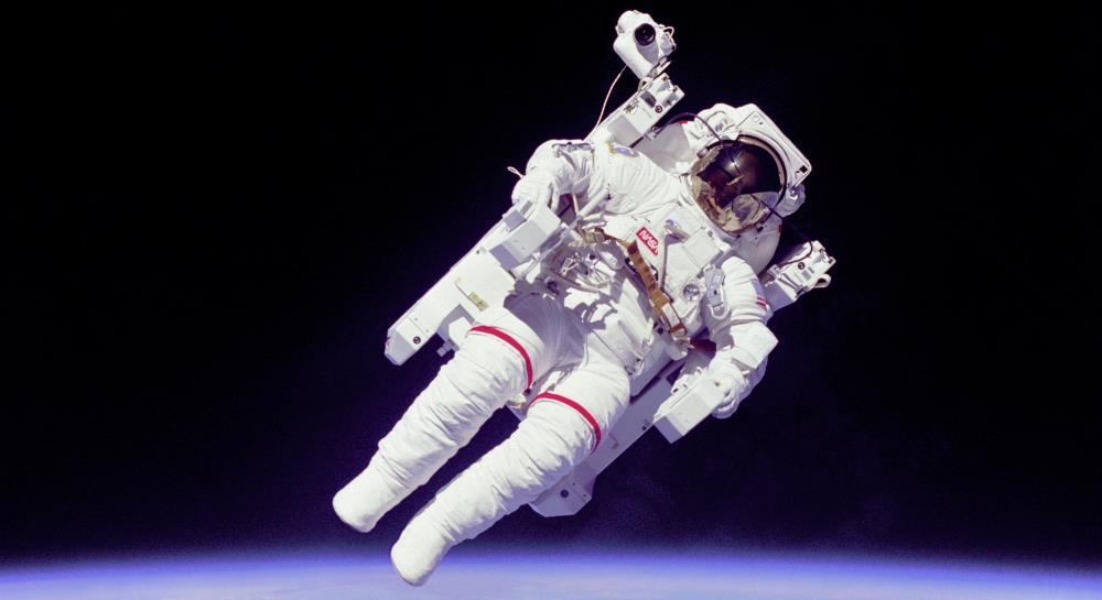 Пять интересных фактов о первом выходе человека в открытый космос выход в открытый космос